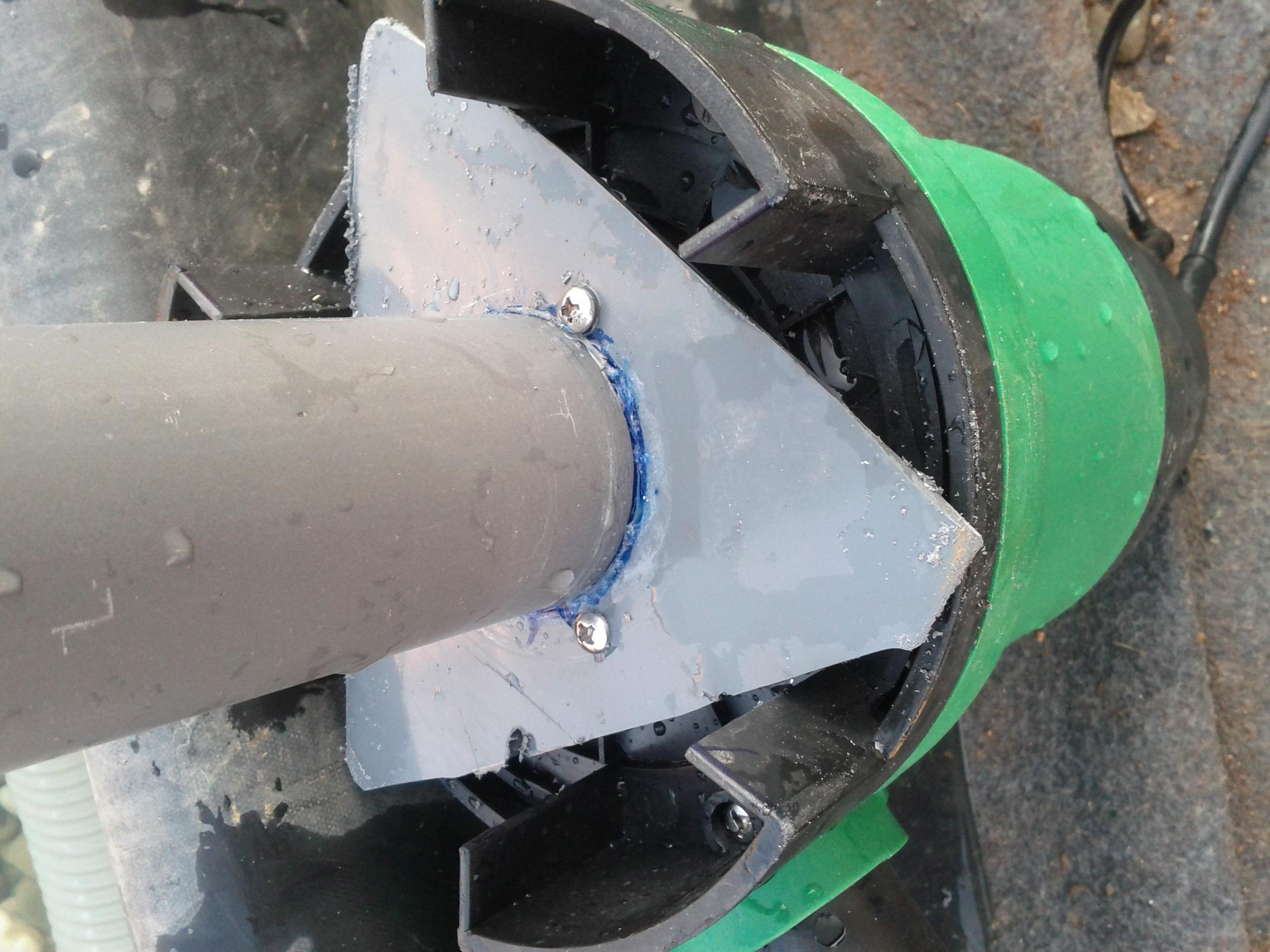 Fabrication d 39 un aspirateur de piscine piscine for Tuyau filtre piscine